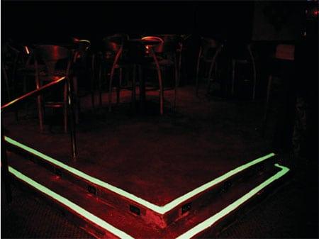 Освещение дорожек при помощи асфальта glo kote