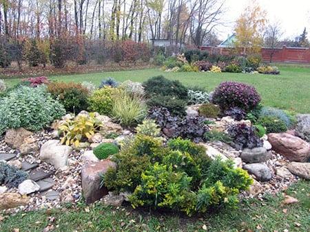 Альпинарий (альпийская горка) это каменистый сад